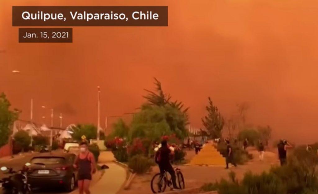 violent fires turn sky red in chile, violent fires turn sky red in chile video, violent fires turn sky red in chile pictures