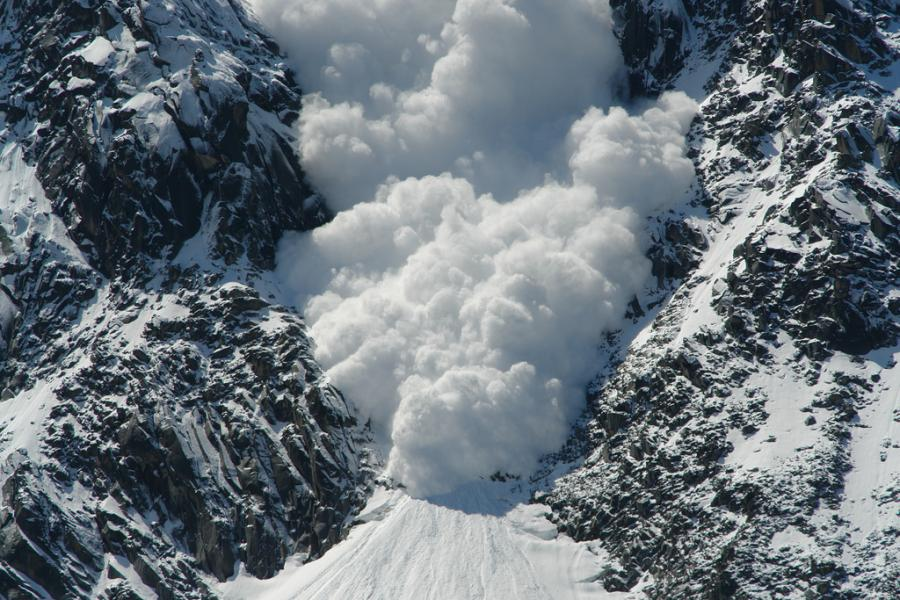 The US just had the deadliest week of avalanches in more than a century, snow avalanche death record usa 2021