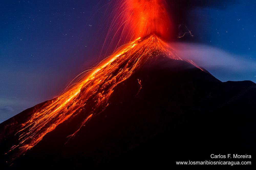 volcano in Guatemala, 3 volcanoes erupt guatemala, 3 volcanoes erupt simulteneously guatemala