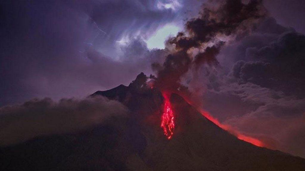 sinabung volcanic eruption
