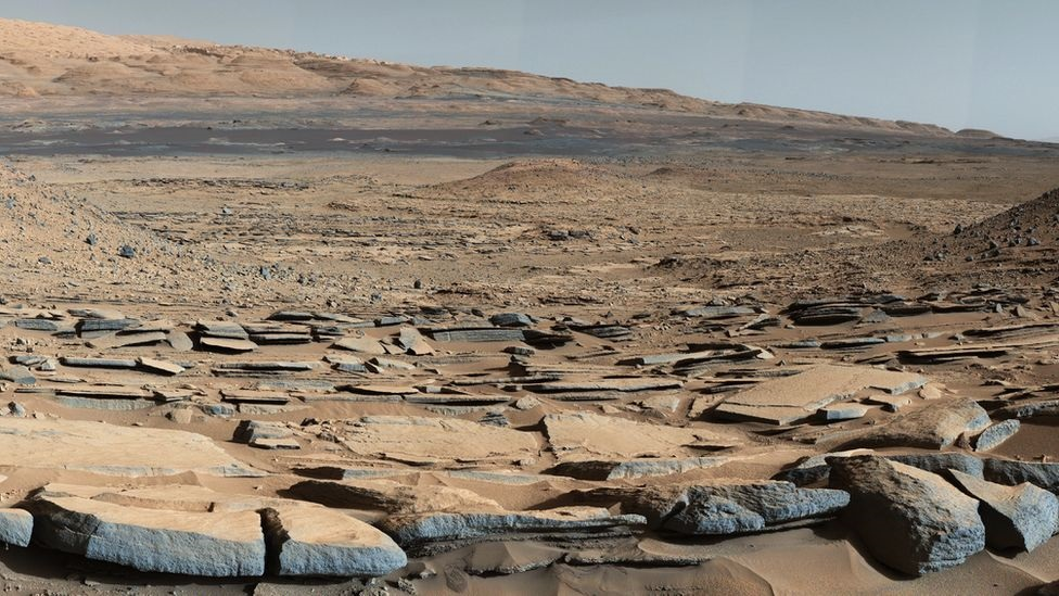 mars water mystery, Vast amount of water may be locked up on planet Mars