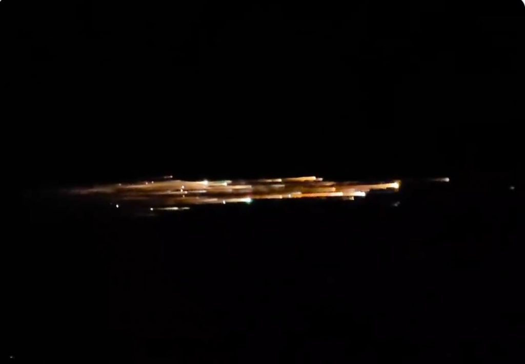 oregon strange sky phenomenon march 25 2021, oregon strange sky phenomenon march 25 2021 video, giant fireball orgeon march 25 2021 video