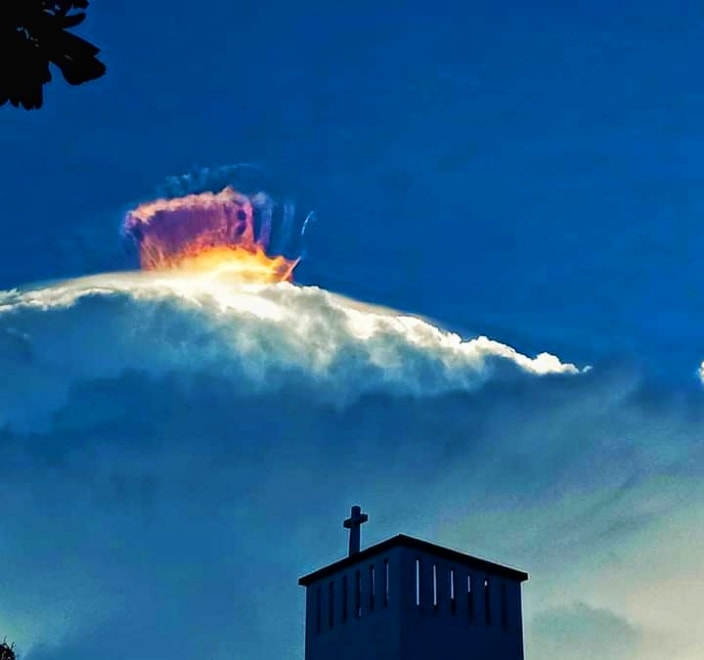 multicolor crown over cloud, multicolor crown over cloud pictures, multicolor crown over cloud video, multicolor crown over cloud april 2021