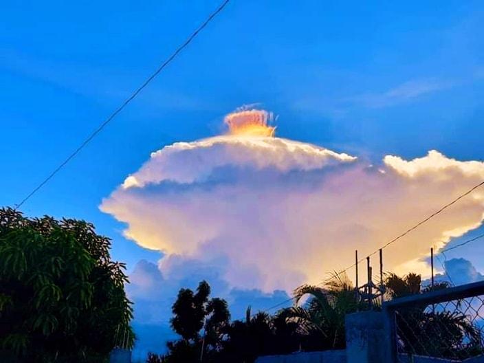 coroană multicolor peste nori, imagini coroană multicolor peste nori, videoclip coroană multicolor peste nori, coroană multicolor peste nori aprilie 2021