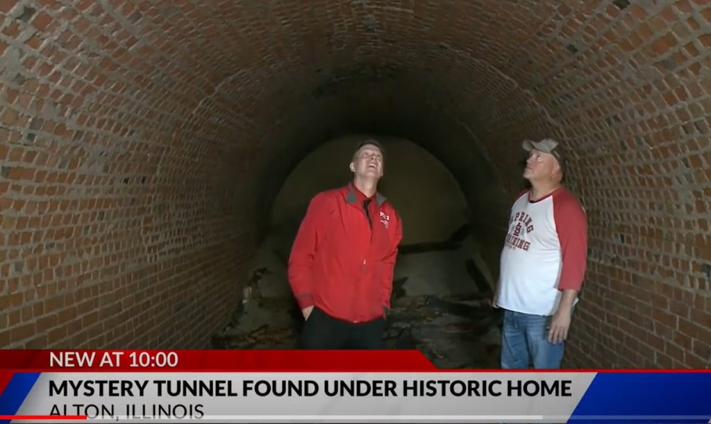 mysterious tunnel found under historic home in Alton Illinois, mysterious tunnel found under historic home in Alton Illinois video