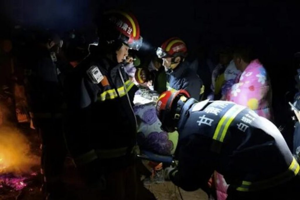 Twenty-one dead as extreme weather hits ultramarathon in China, Twenty-one dead as extreme weather hits ultramarathon in China video, Twenty-one dead as extreme weather hits ultramarathon in China photo, Twenty-one dead as extreme weather hits ultramarathon in China news