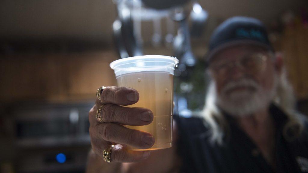 drinking water california tasting like dirt, why is california drinking water tasting like dirt, sacramento water tasting like dirt