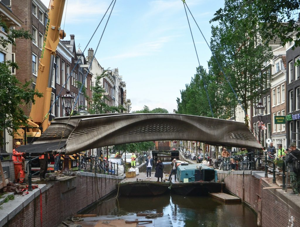 3D-printed bridge, 3D-printed bridge amsterdam,3d steel bridge amsterdam,world very first 3D-printed bridge is open in Amsterdam