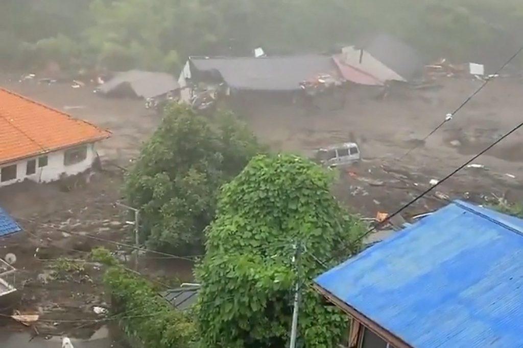 mudslide japan july 3 2021, mudslide japan july 3 2021 video, mudslide japan july 3 2021 pictures