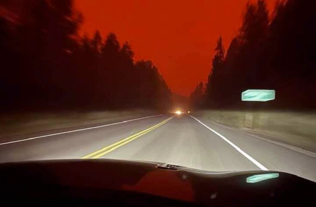 blood red sky BC fires, bc fires, bc fires pictures, bc fire videos, blood red sky bc fire august 2021