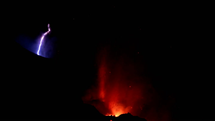 volcanic lightning La Palma